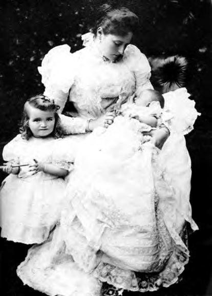 Olga et Tatiana Romanov : Grandes Duchesse de Russie